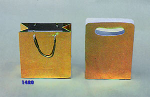 43b078e14 Bolsas con fuelle o cordón. Papel ilustración / laminado oro / kraft